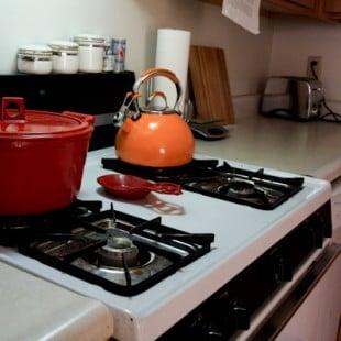 kitchen stove kettle dutch oven