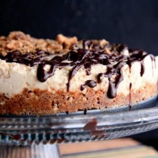 no-bake butterfinger and pretzel cheesecake