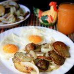 bratkartoffeln (german fried potatoes and onions)