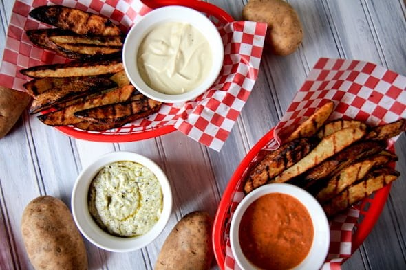 Potato wedges with dipping sauces