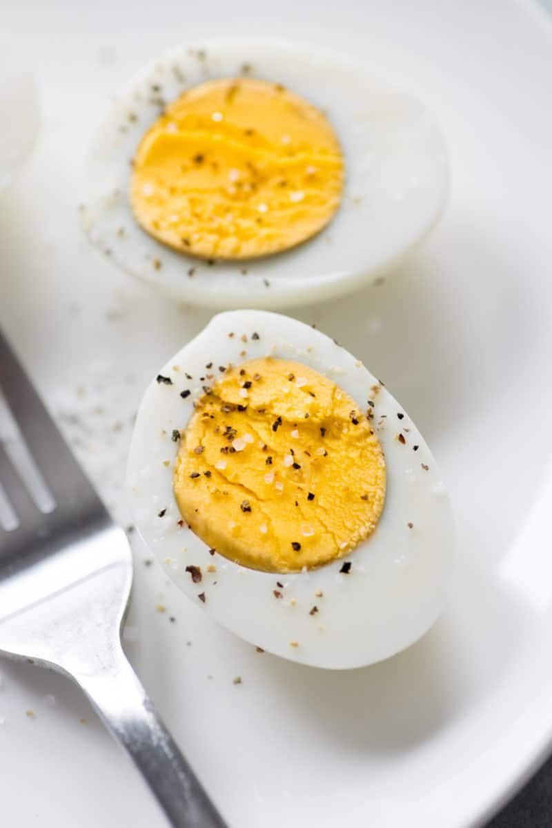 Easy-to-Peel Hard Boiled Eggs - Perfect Egg