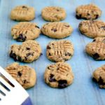 banana chocolate chunk almond butter cookies (vegan, gluten-free, no sugar added)