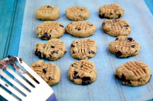 banana chocolate chunk almond butter cookies (vegan, gluten-free, no ...