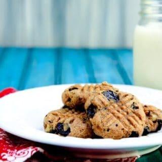 banana chocolate chunk almond butter cookies (vegan, gluten-free, no sugar added)