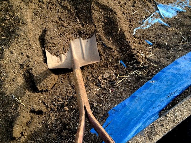 shovel soil