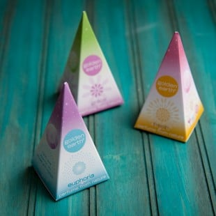 friday freebie: golden earth all-natural perfume {CLOSED}