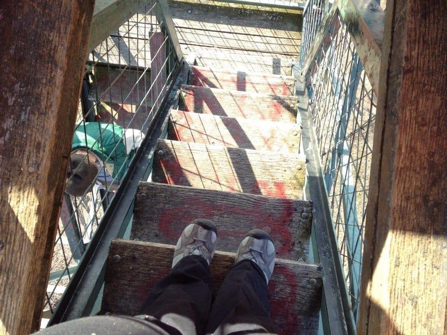 me feet stairs firetower