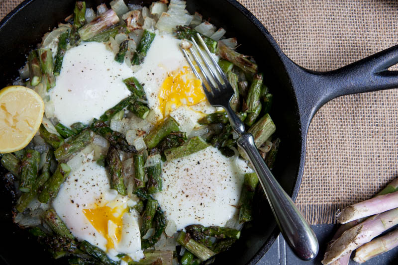 midnight asparagus and eggs - Wholefully