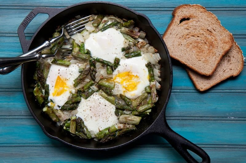 lunch asparagus eggs