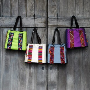 friday freebie: pora bag ($200+ value!) {CLOSED}