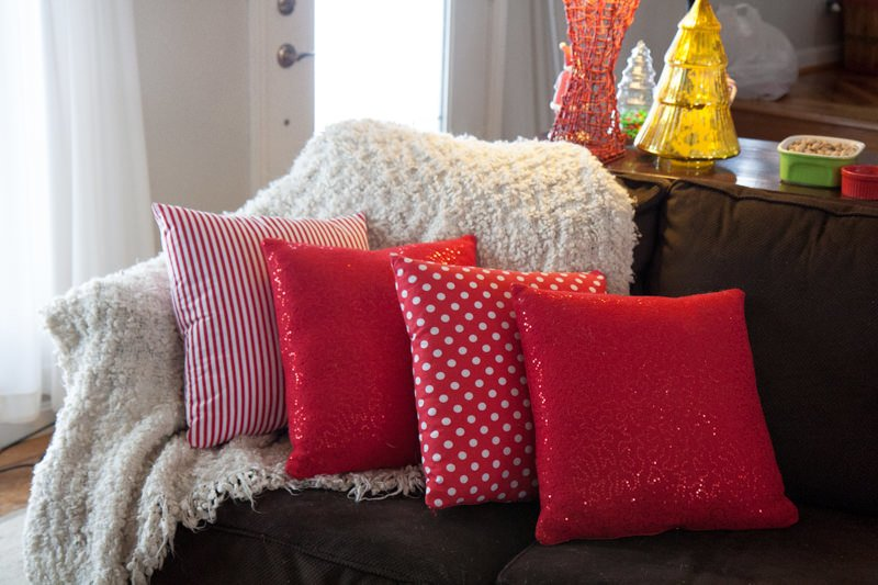 couch pillows christmas