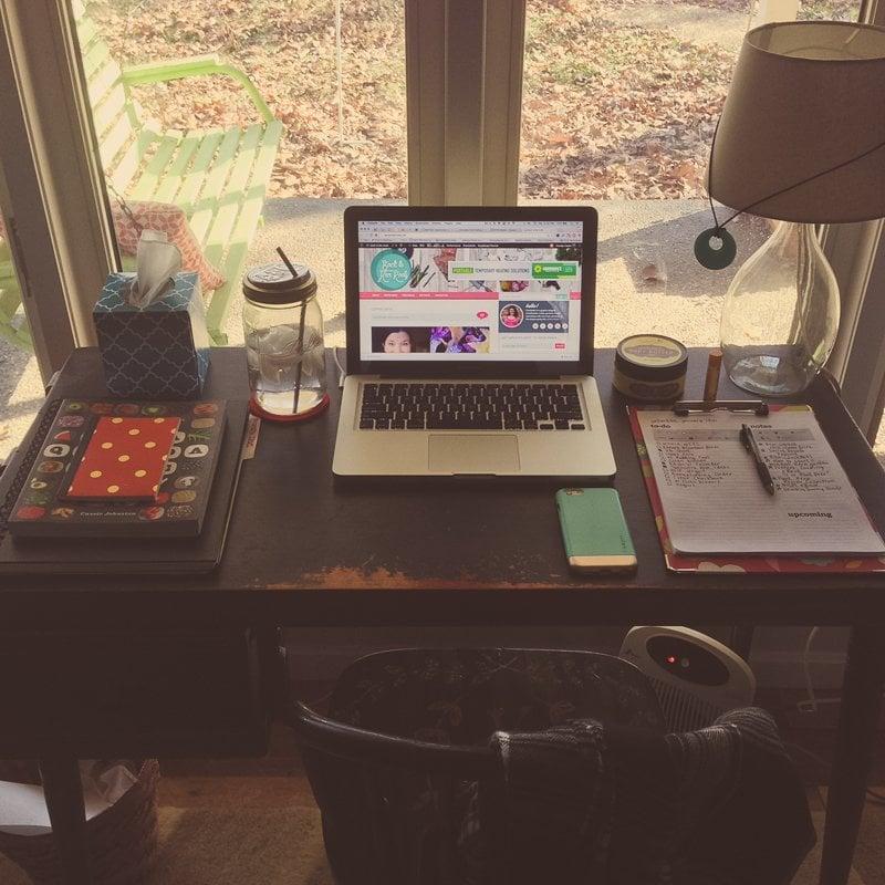 Desk, Laptop