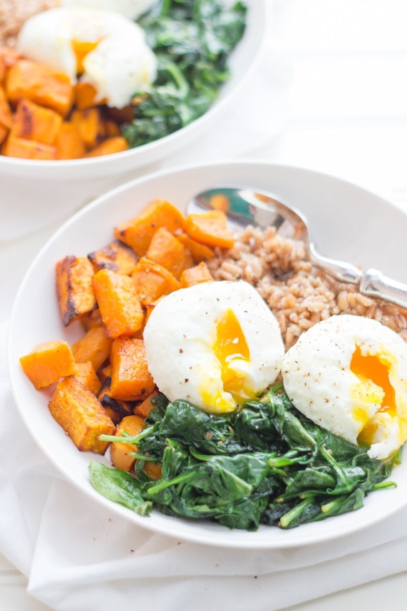 Curried Sweet Potato Breakfast Bowls