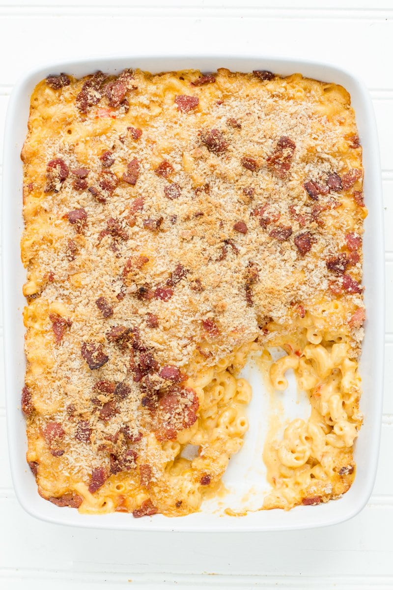 Bacon Sriracha Macaroni and Cheese