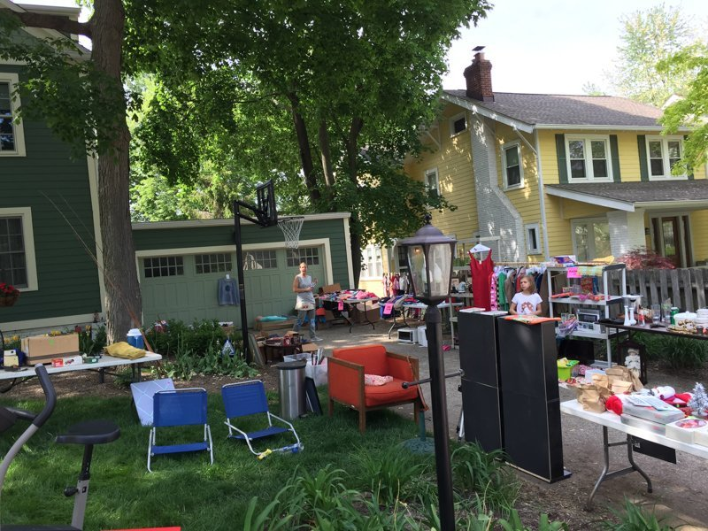 How Much To Sell Baby Clothes At Yard Sale
