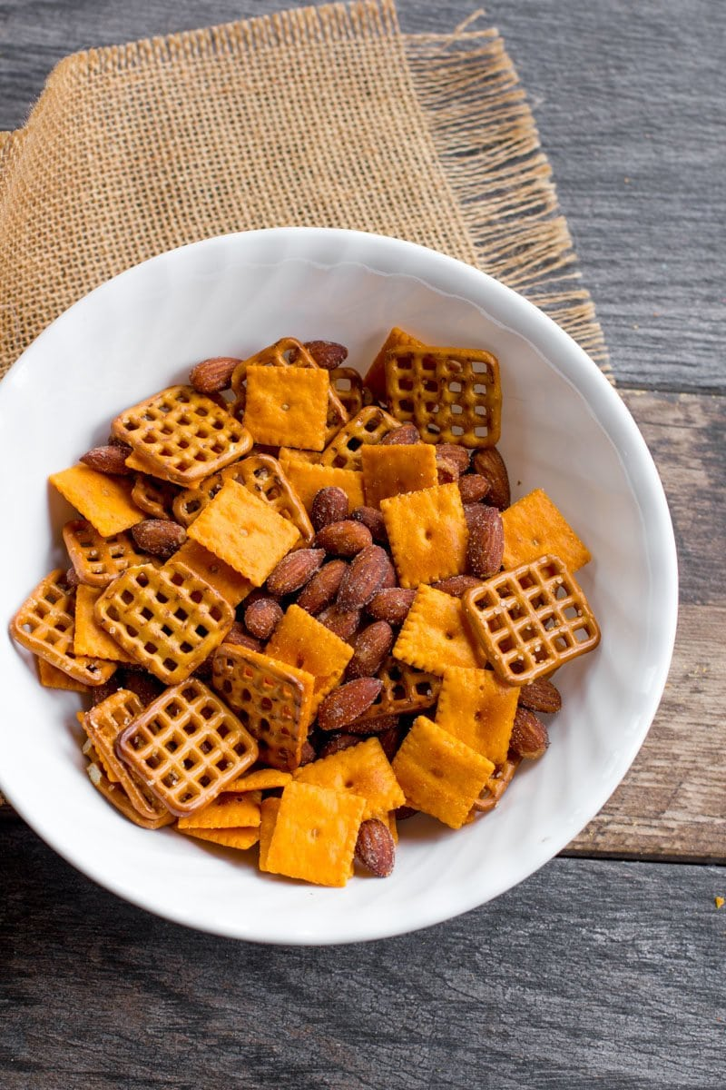 Cheddar Smokehouse Snack Mix