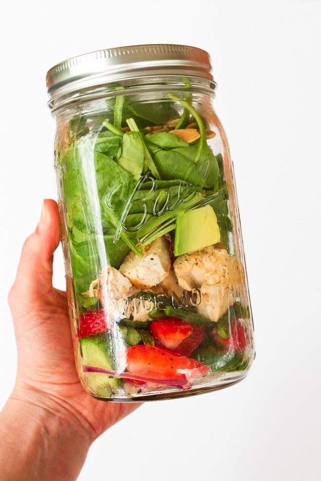 Strawberry-Spinach-Salad-in-a-Jar
