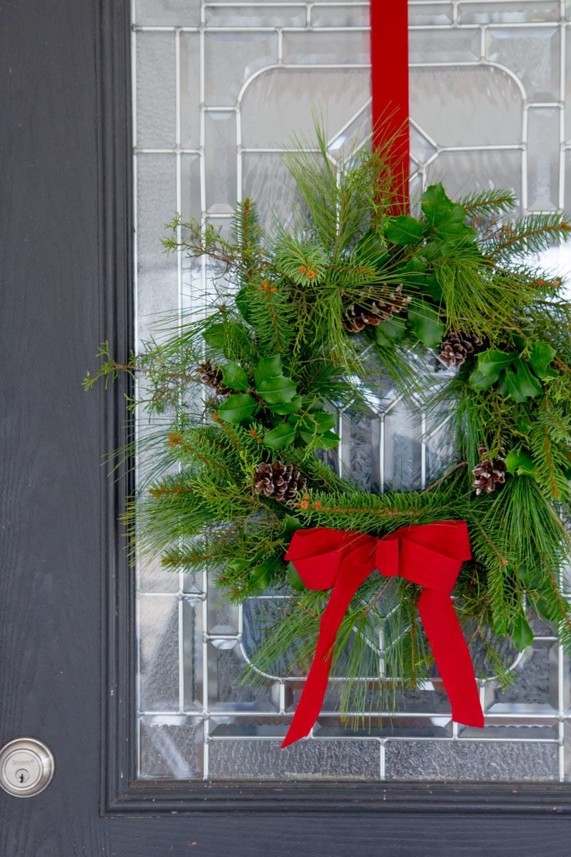 How to Make a Fresh Greenery Wreath (In 12 Minutes)