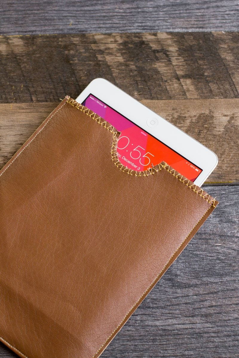 Simple DIY Leather iPad Sleeve