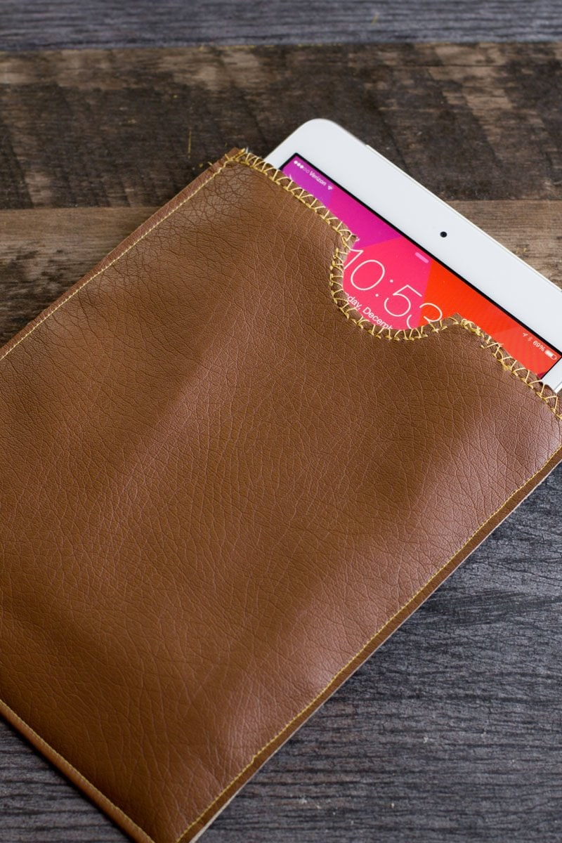 Simple DIY Leather iPad Case