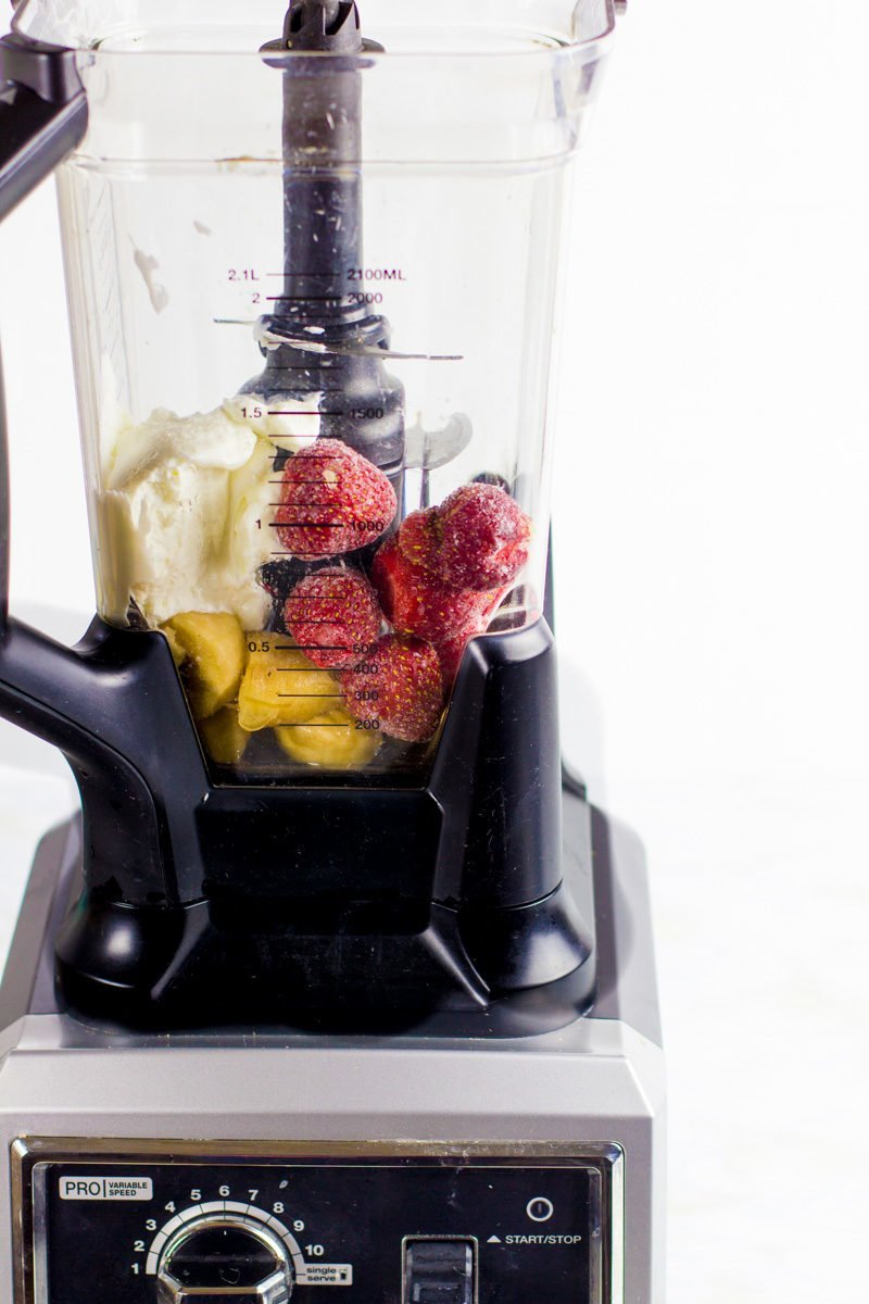 'Blender' from the web at 'https://wholefully.com/wp-content/uploads/2016/01/staple-smoothies-9-800x1200.jpg'